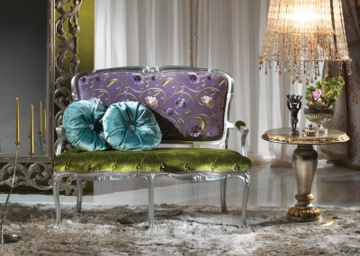 ROMANTIC  <br/> A/2752 - Sofa 2 seaters - cm 131x65x106h <br/> B/1795/5 - Side Table - cm diam. 60x60h