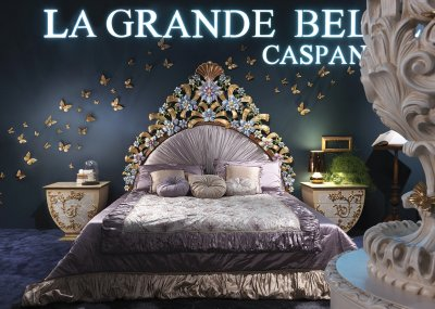 LA GRANDE BELLEZZA<br/>C/1031 - Bed with wooden spring cm 200x200 - cm 225x215x226h<br/>C/1033 - Night table - cm 69,5x49,5x64,5h